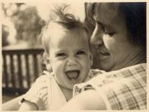 אימא וסנדיה הקטנה